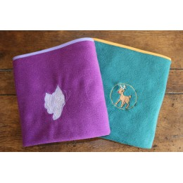 Couverture bicolore - broderie motif